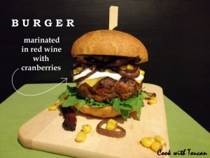 23_yes_pork-burger-marinated-in-red-wine-with-cranberries--800x600-.jpg
